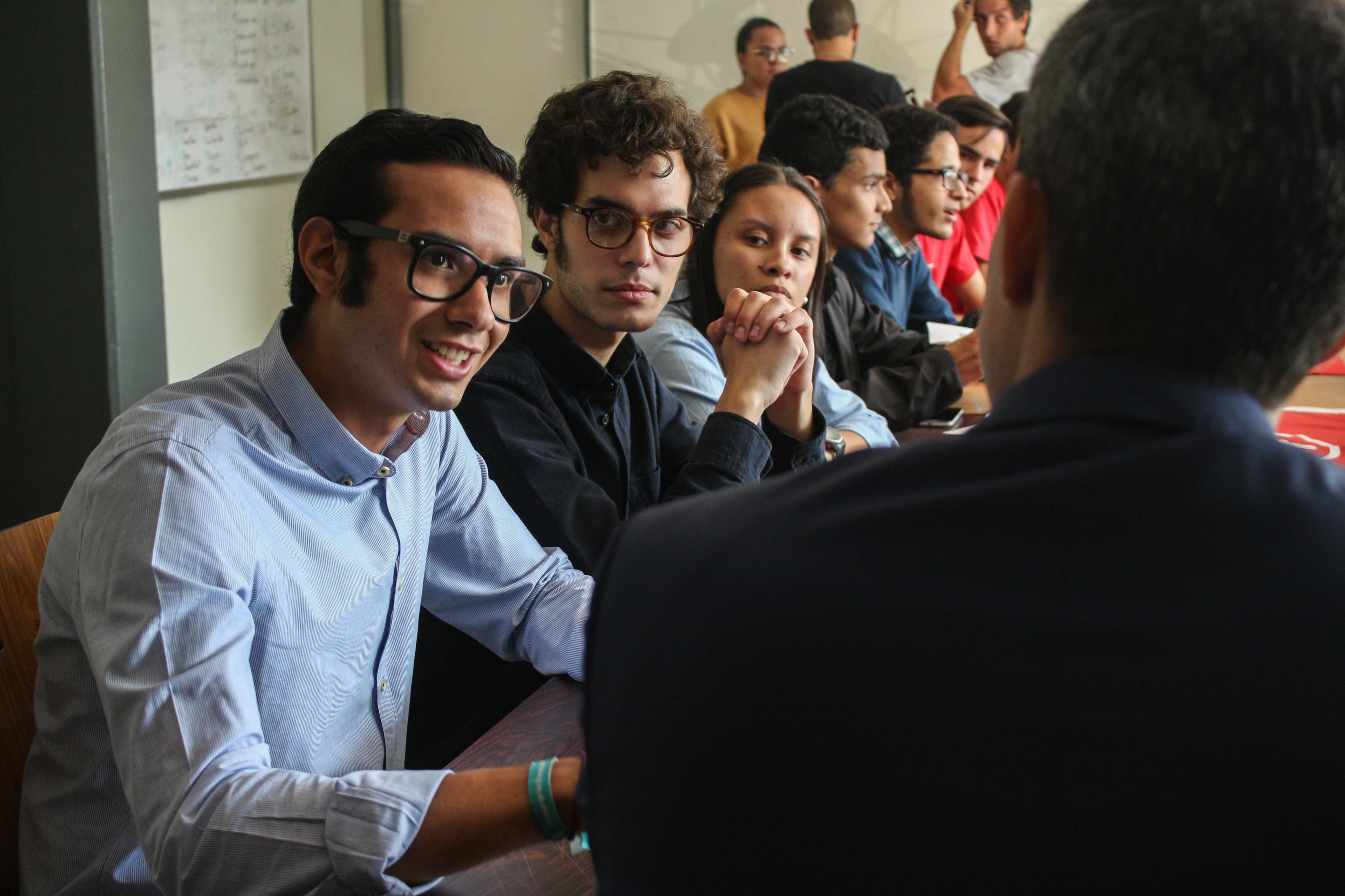 Guaidó-y-estudiantes-UCAB-11-abril-2019-18