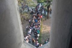 Prueba de conocimientos UCAB Abril 2019-Vista colas y multitud (14)