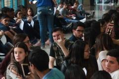 Prueba de conocimientos UCAB Abril 2019-Vista colas y multitud (17)