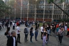 Prueba de conocimientos UCAB Abril 2019-Vista colas y multitud (4)