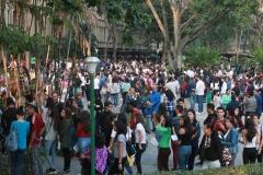 Prueba de conocimientos UCAB Abril 2019-Vista colas y multitud (8)
