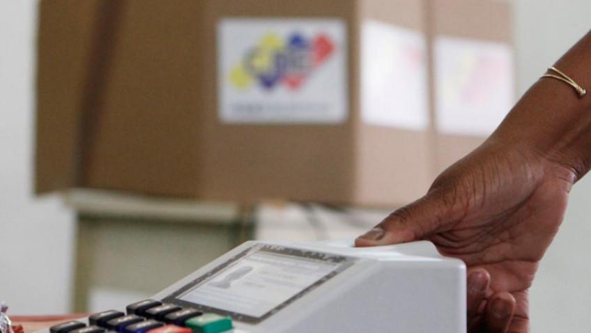 Venezolanos desconfían del CNE