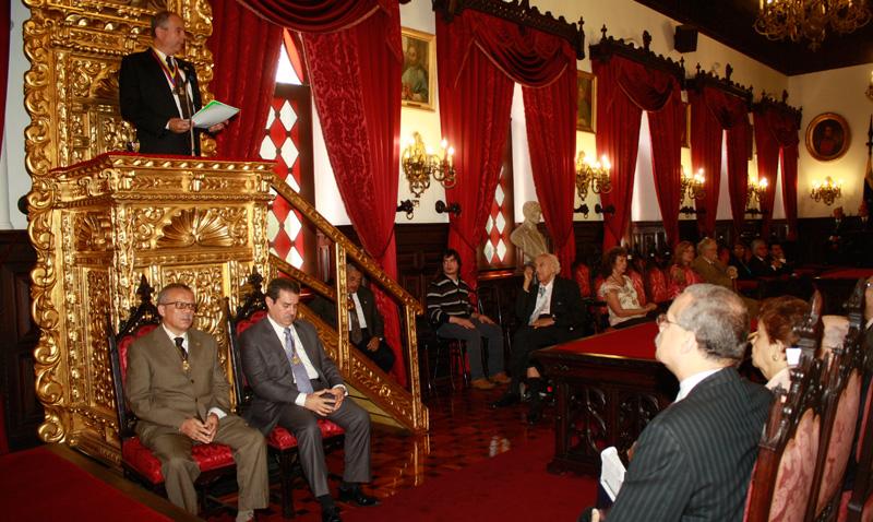 Biord Castillo modernizará la Academia Venezolana de la Lengua