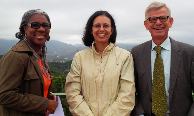 Embajador de Holanda conoció el trabajo comunitario de la UCAB