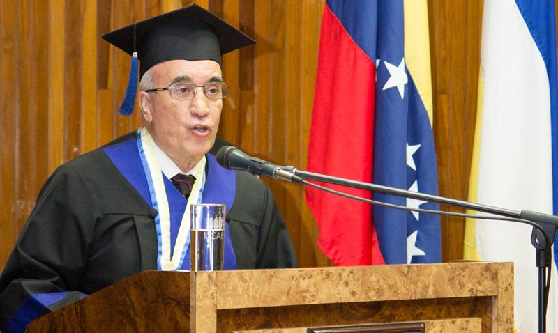 Rafael Hernández, 53 años en su casa de estudio