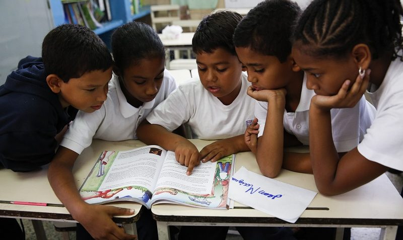 Políticas públicas contra la vocación docente