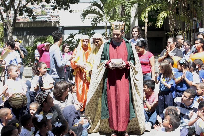 Recolección de juguetes para Día de Reyes Magos