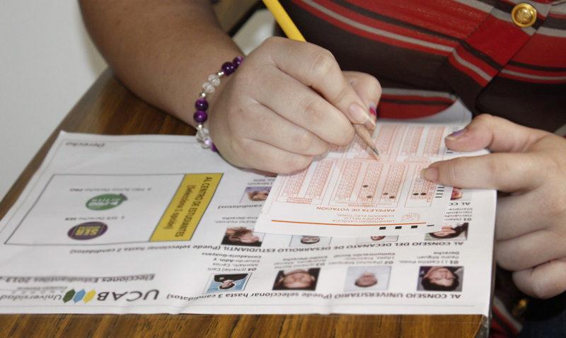 Primeros resultados de la elección de profesores y egresados