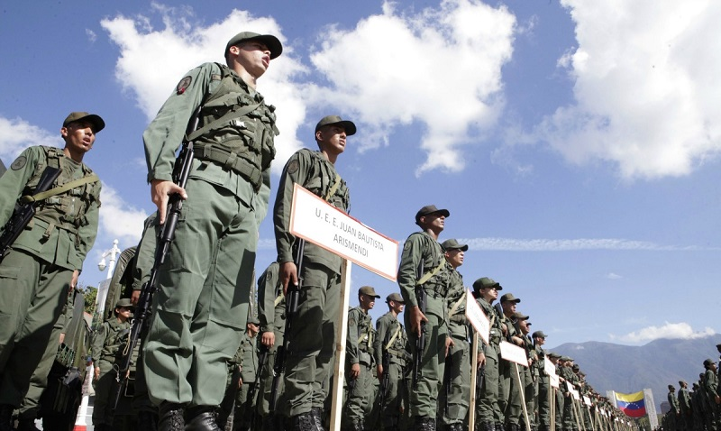 """Los militares y la """"revolución"""" petrolera"""