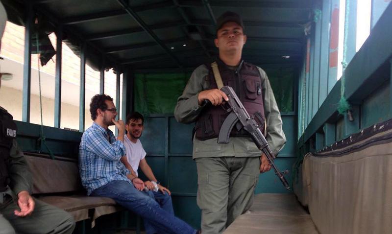 Pancho y Gabo, detenidos por defender la libertad