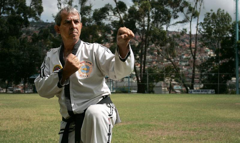 Primer venezolano en obtener el noveno dan en taekwondo