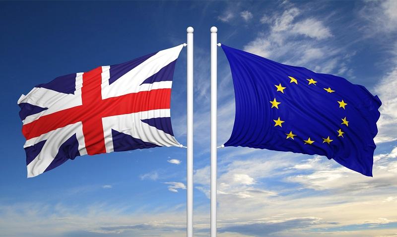 La OTAN, la UE y la política