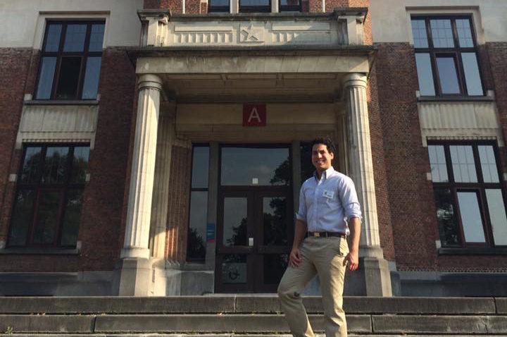 Un ucabista en el campus de Middelheim