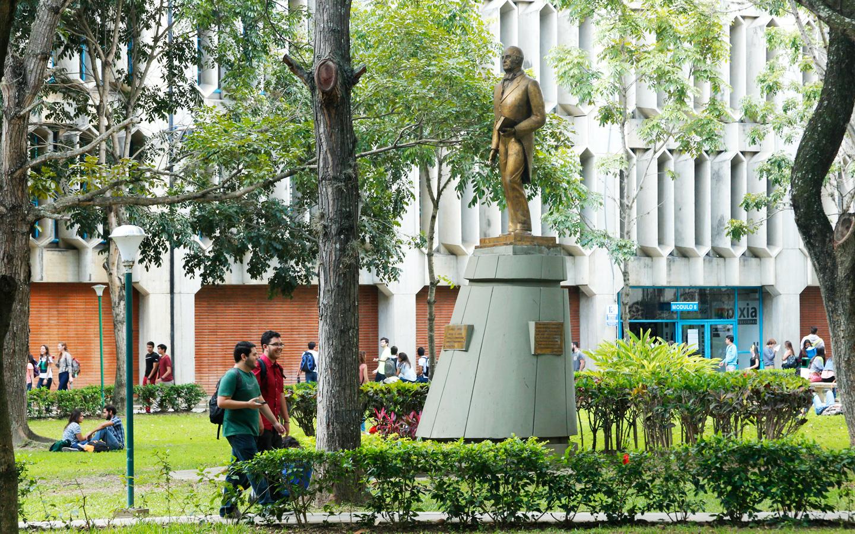Facultad de Derecho vuelve a pronunciarse sobre crisis institucional