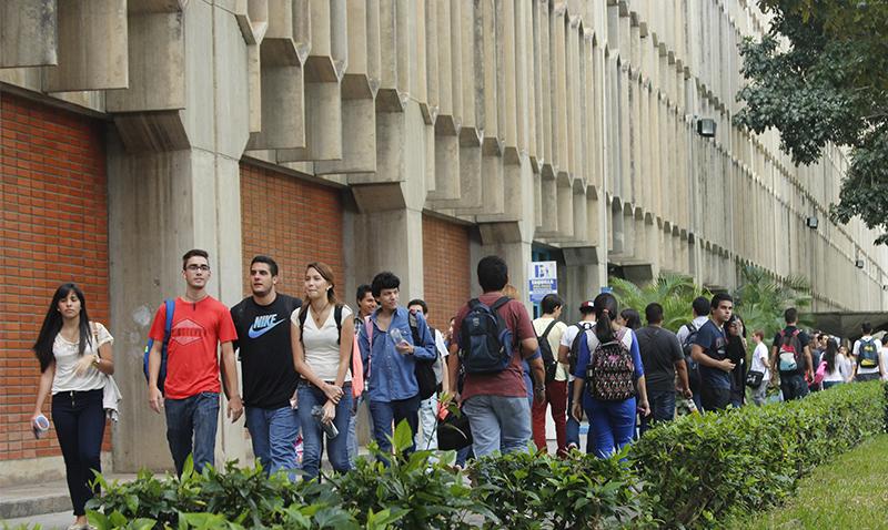 ¿Seguir protestando? Opinan los ucabistas #Video