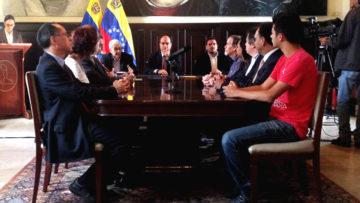 La UCAB presentó a la Asamblea Nacional propuestas legislativas en defensa de la Constitución