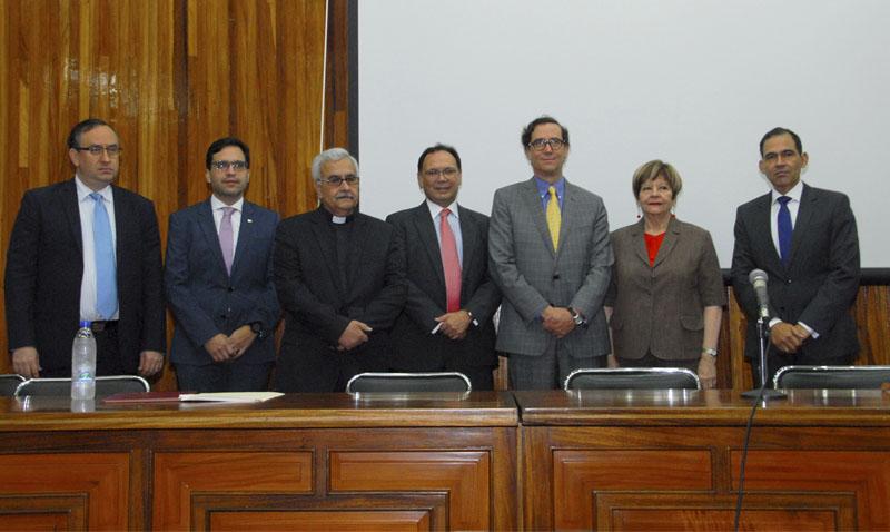 Juristas en la UCAB: Constituyente es un fraude a la soberanía popular