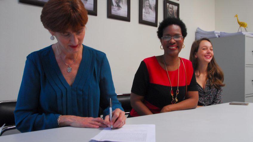 Escuela de Comunicación Social firmó convenio con la Escuela Nacional de Cine