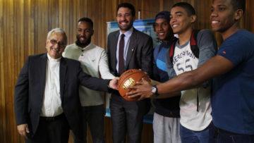 La UCAB firmó convenio de becas con la Fundación Greivis Vásquez