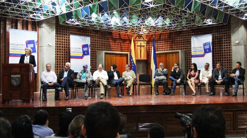 Desde la  UCAB, dirigentes de oposición y chavismo llamaron a la unidad nacional
