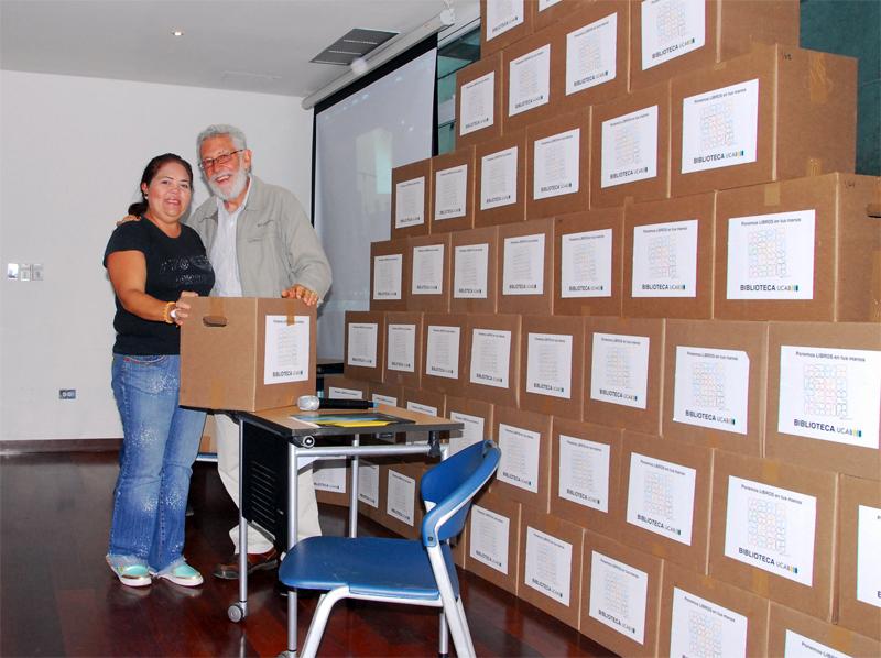 La UCAB donó libros educativos a más de 80 escuelas de Caracas