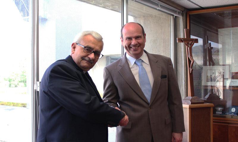 La UCAB firmó convenio de apoyo con banco puertorriqueño