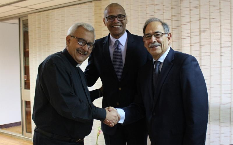 La UCAB y el CVA renovaron convenio de cooperación