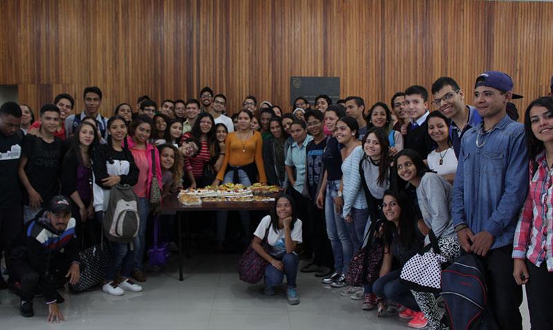 La UCAB recibió a becarios del programa Educa 20-20