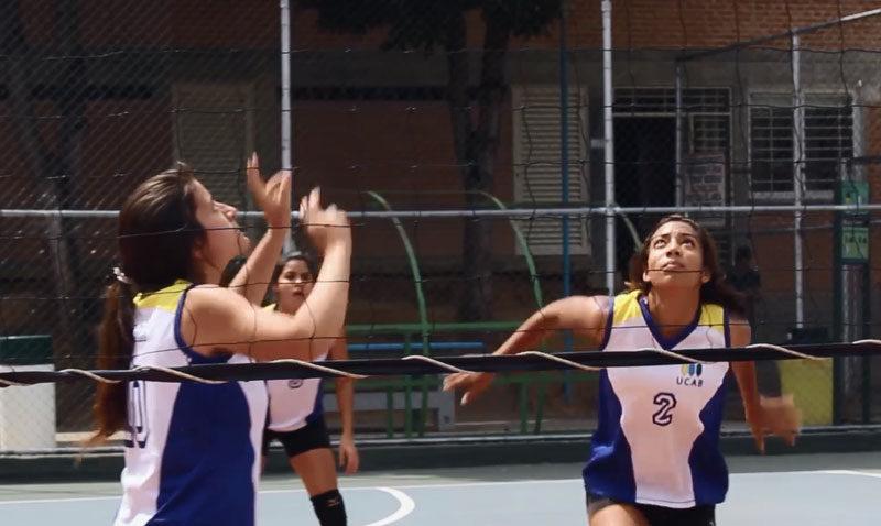 Practicar deportes en la UCAB: formarse más allá del aula (VIDEO)