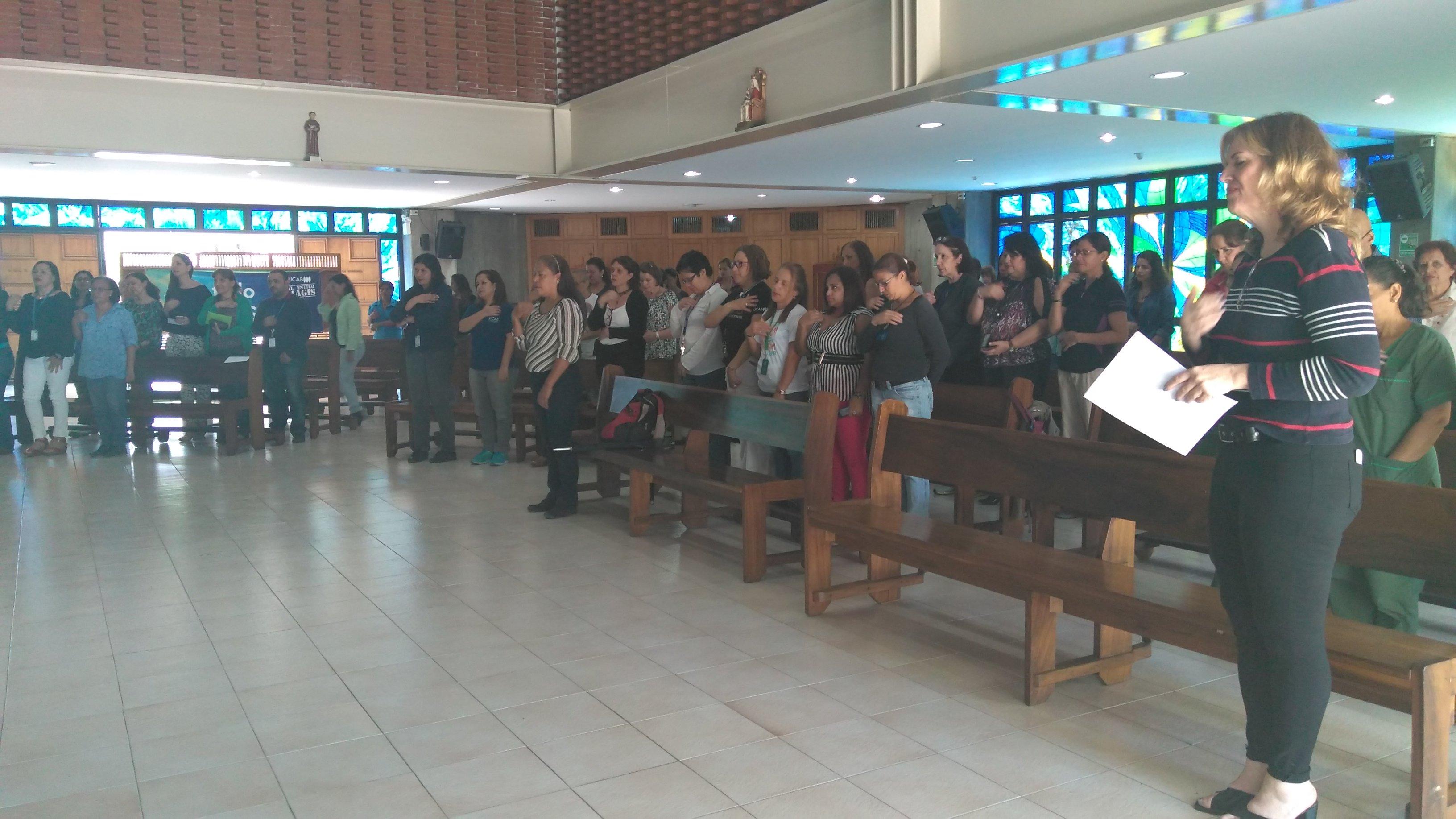 La UCAB celebró con misa el Día de las Madres