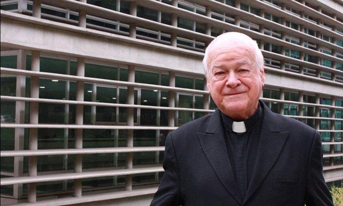 El padre José Del Rey recibió Doctorado Honoris Causa en la Universidad Javeriana