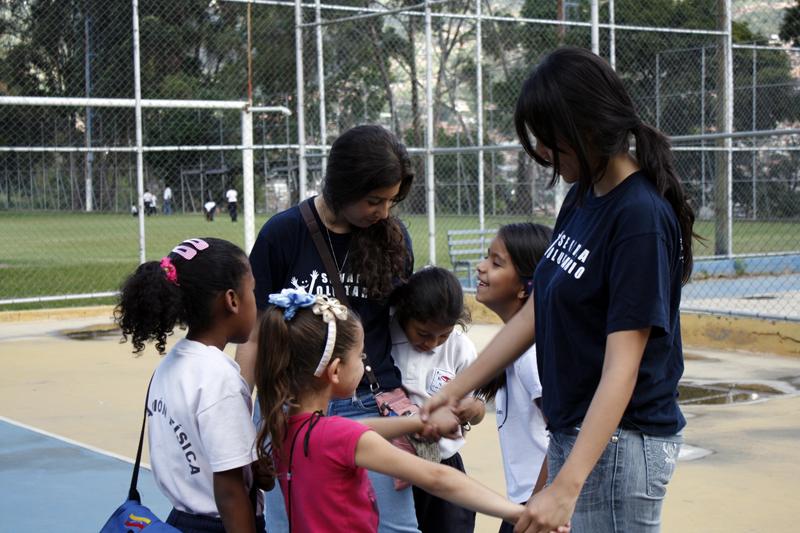 Ucabistas preparan primera feria de servicio comunitario