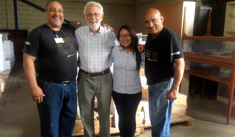 Abediciones donó más de 300 libros a la ONG Espacio Público