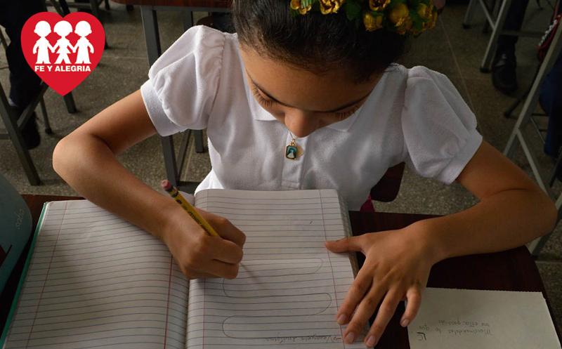 Comenzó la campaña «Un cuaderno para Fe y Alegría»