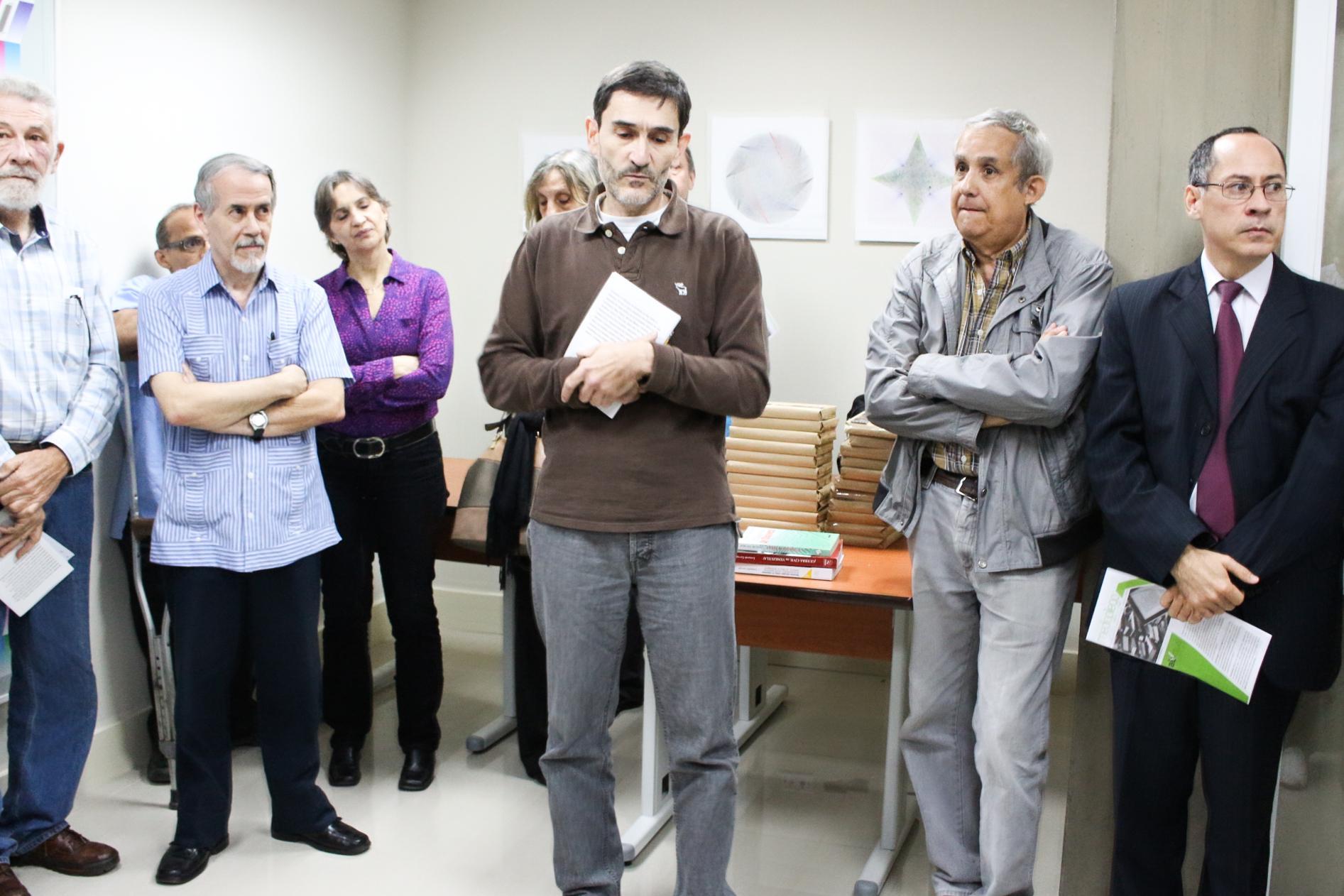 Leonardo Carvajal presentó sus «Noventa miradas sobre el chavismo»