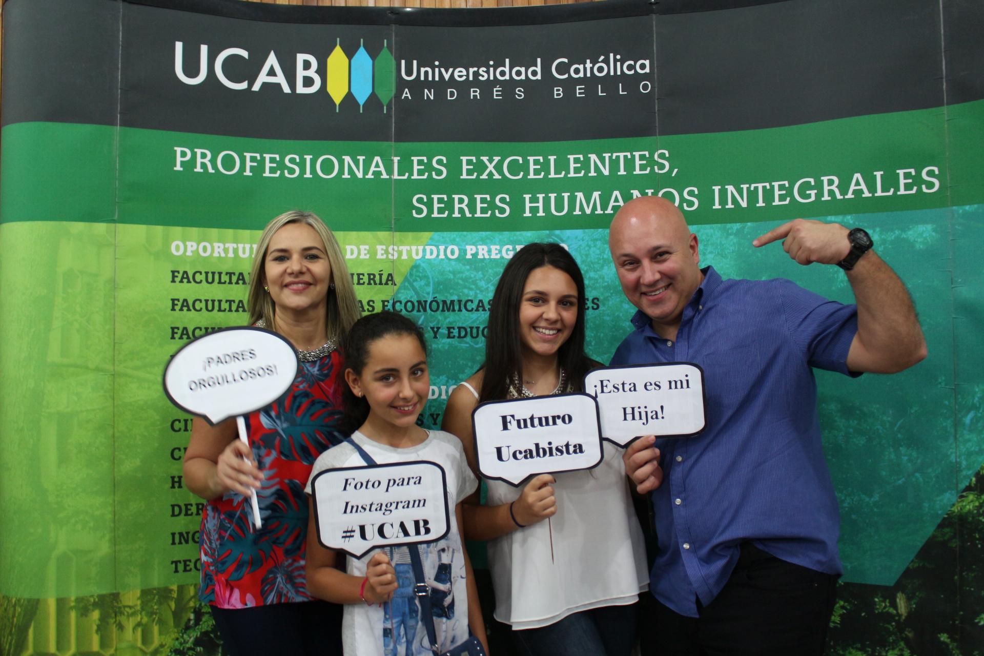 Futuros ucabistas fueron homenajeados por su excelencia