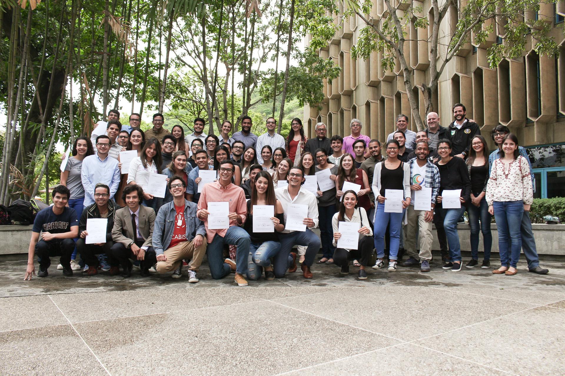 Nuevos representantes estudiantiles fueron acreditados oficialmente