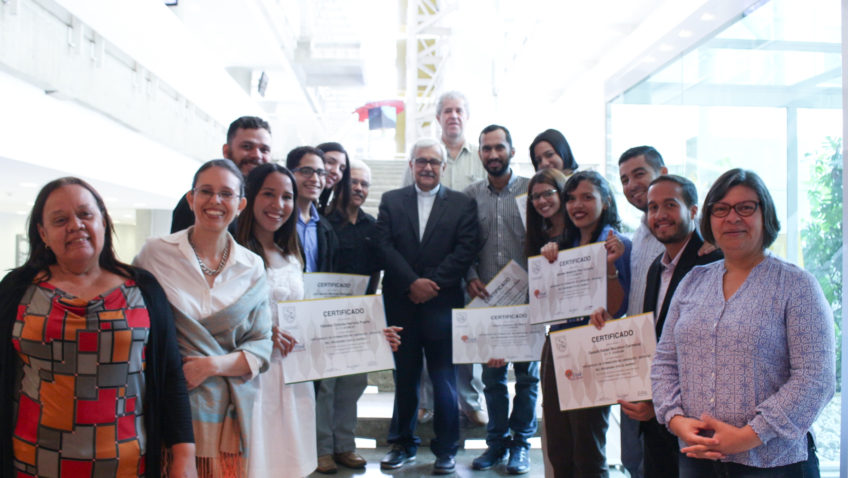 """Diplomado del programa """"Vive El Barrio"""" graduó a su segunda cohorte"""
