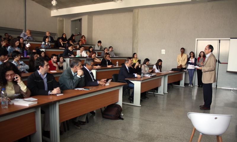 Ética, conocimientos y adaptabilidad: retos para los futuros periodistas