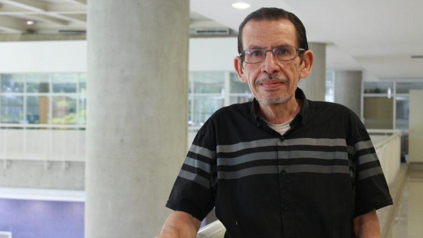 """Profesor Carlos De Armas recibirá premio """"Valentía Moral"""""""