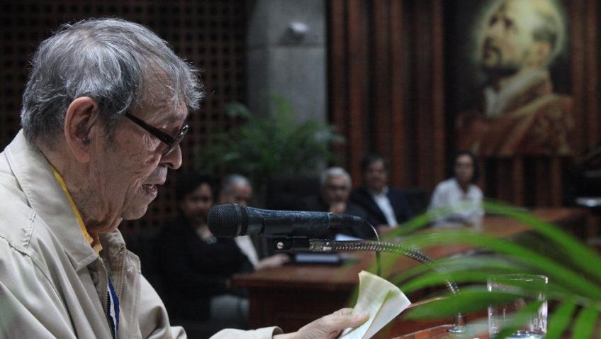 «Descreo de los héroes»: Así habló Rafael Cadenas durante tributo en la UCAB