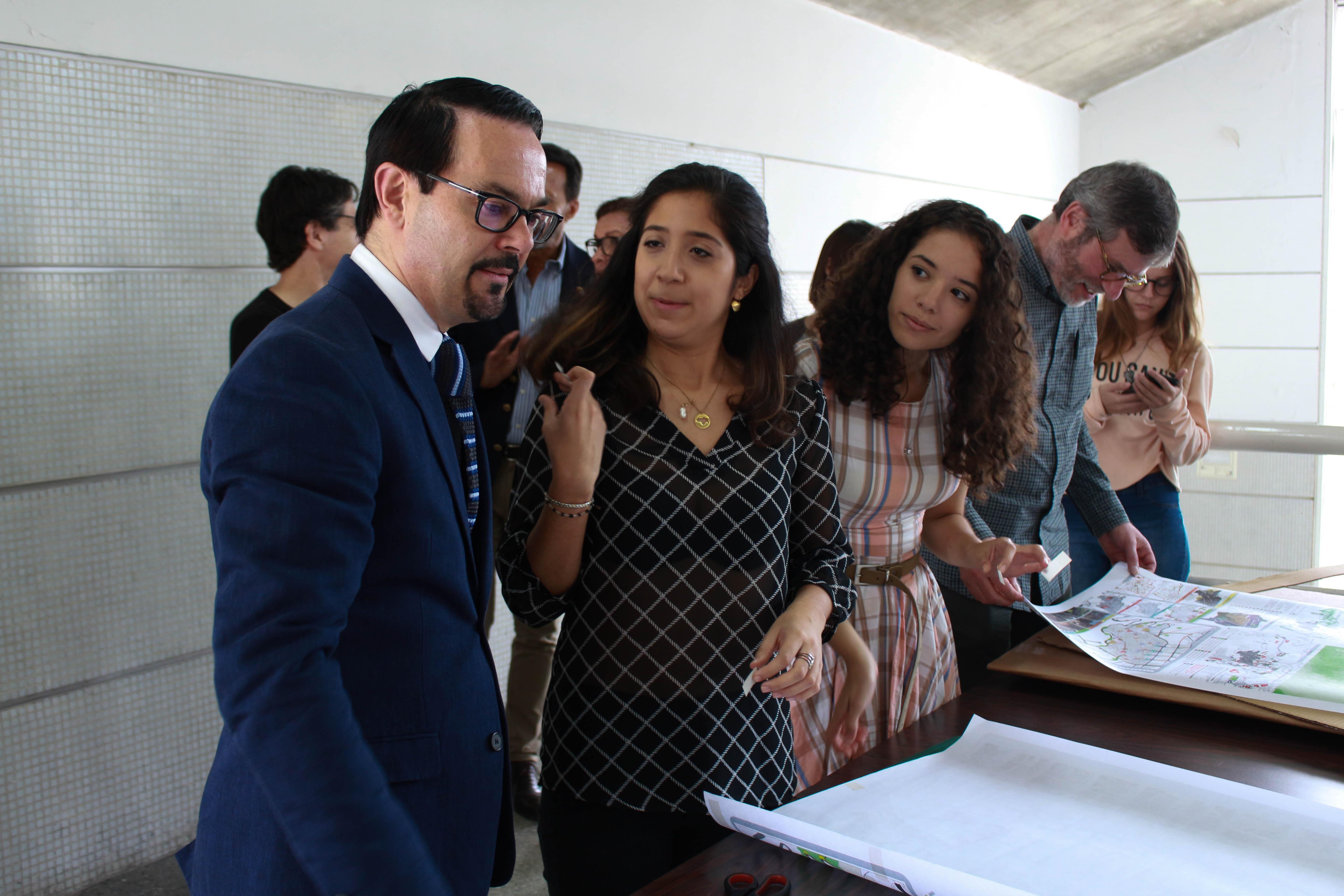 Embajador francés conoció en la UCAB avances del convenio universitario Marcel Roche