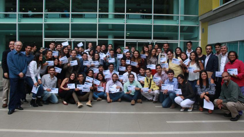 Más de 60 profesores y alumnos fueron reconocidos por la Escuela de Economía