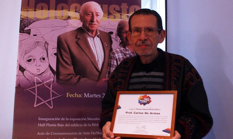 Lágrimas y aplausos acompañaron tributo al profesor Carlos De Armas