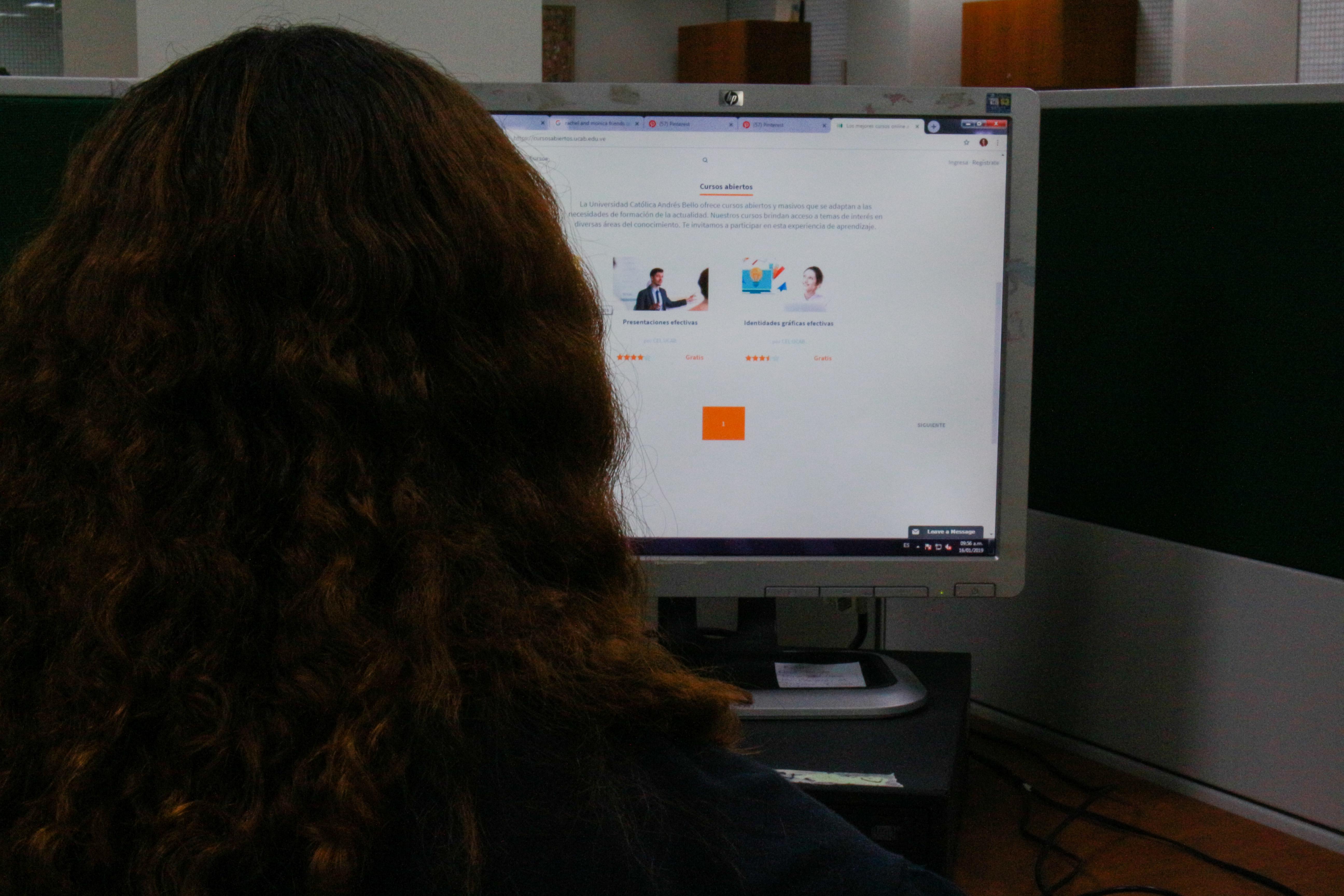 Centro de Estudios en Línea ofrece cursos virtuales gratuitos para todo público