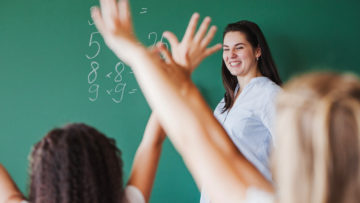 ¡Feliz día, maestros! Mensaje de la Escuela de Educación