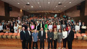 Centro de Estudios Políticos graduó a 203 nuevos diplomados en gobernabilidad