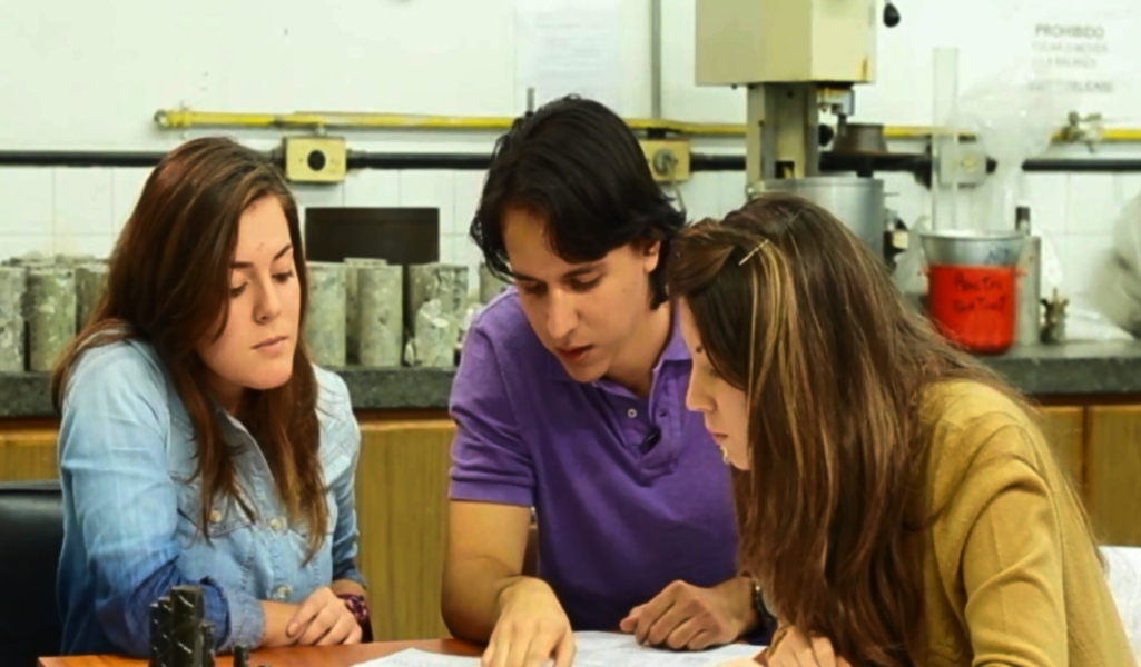 Trabajar con el otro: atributo clave de la formación ucabista