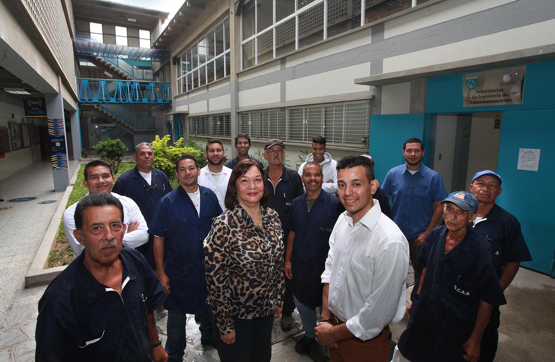 Laboratorios de ingeniería de la UCAB brindan servicio al mundo empresarial