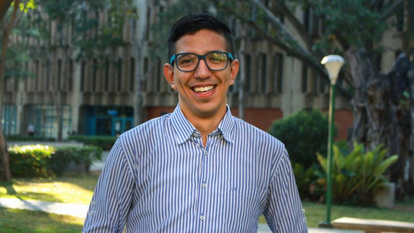 Francisco Marval convirtió en vocación el deseo de ayudar